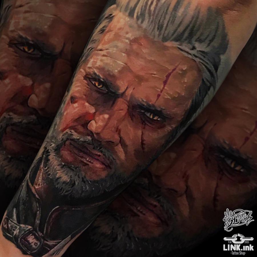 Tattoo Oberarm Cover up Dotwork