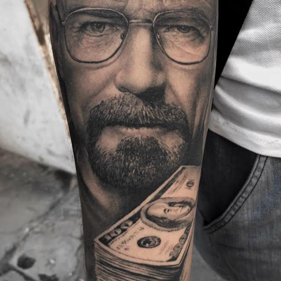 Tattoo unterarm Portrait Uhu Farbe