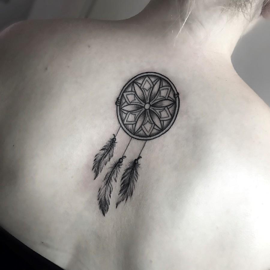 Tattoo Oberarm Ritter