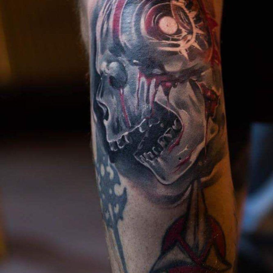 Tattoo Oberarm Portrait Frau