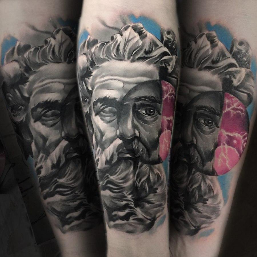 Tattoo Oberschenkel Wildrose