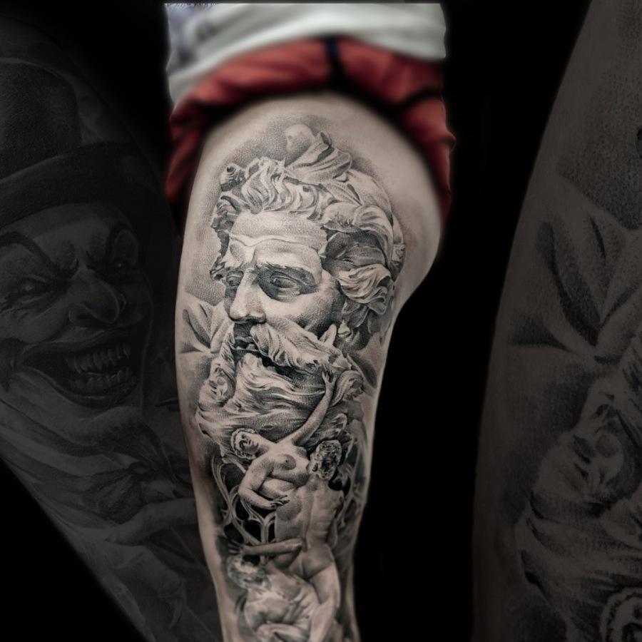 Tattoo Wade Mann mit Maske und Rose
