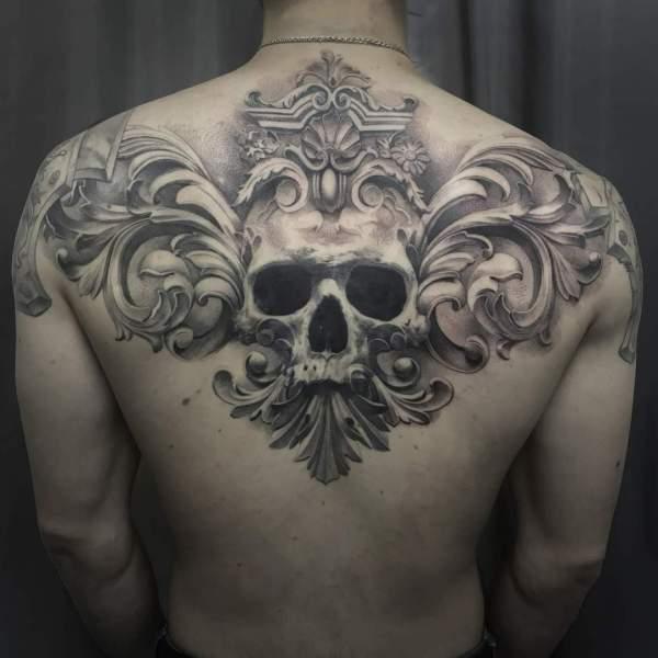 Unteram Tattoo Frau Portrait