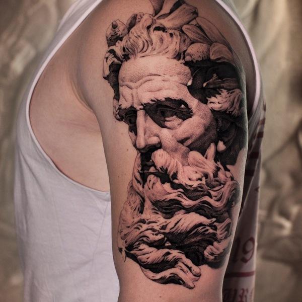 Unteram Tattoo griech. Gott