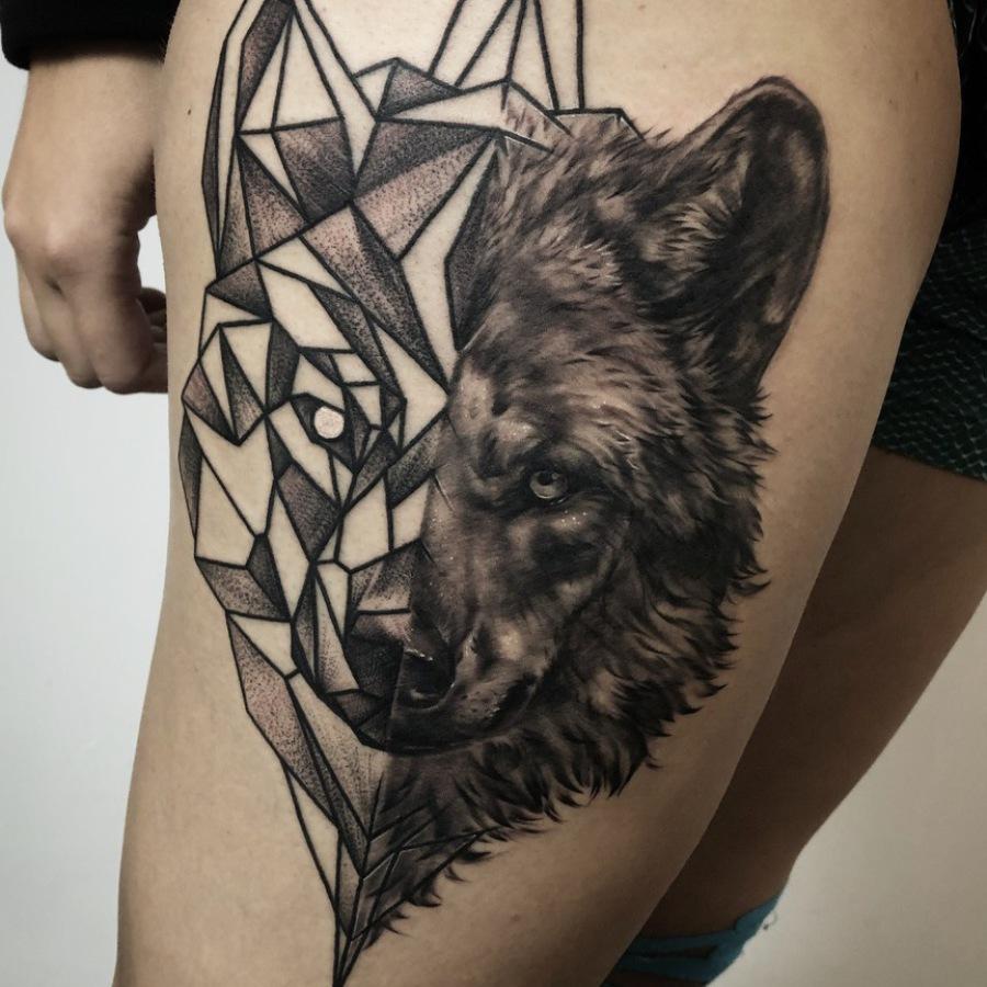 Cover-Up Tattoo Oberarm
